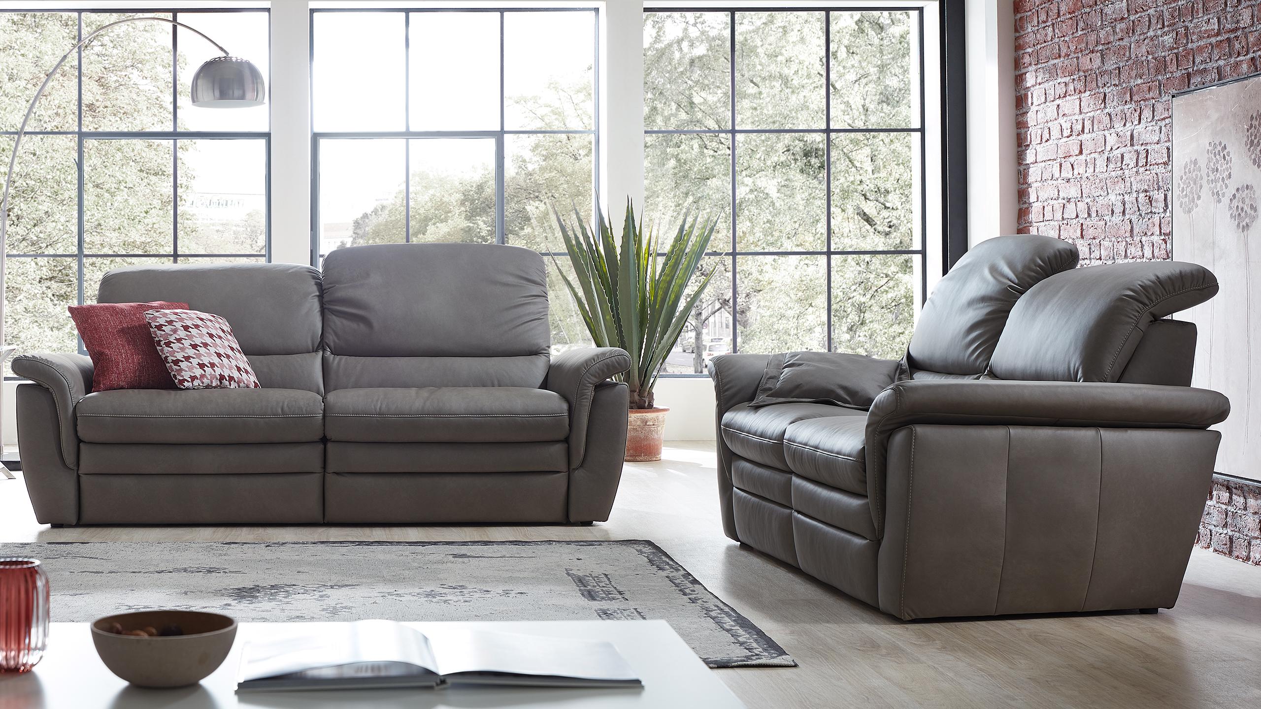 Cava Sofa Grau